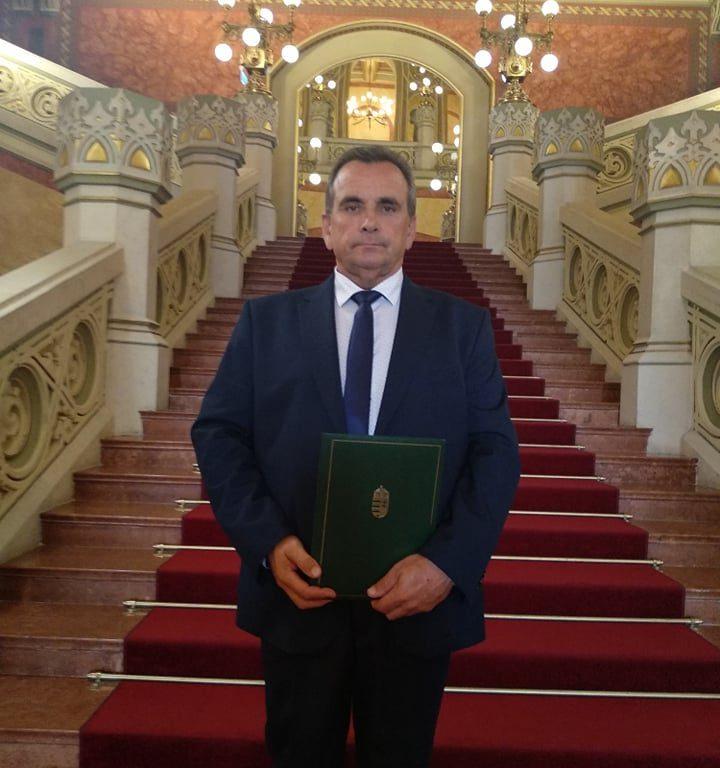 Miniszteri elismerő oklevelet kapott iskolánk dolgozója